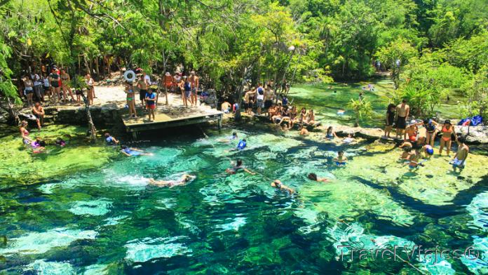 Cenote Azul Riviera Maya México