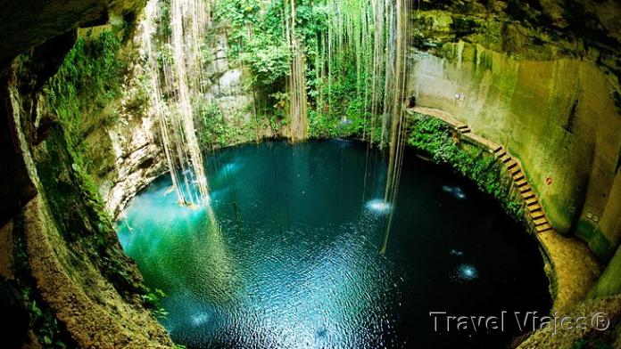 El Cenote Ik Kil Cerca de Chichen Itzá