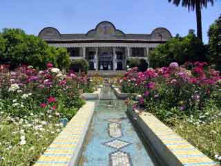 iran-shiraz-jardin-eram-690.jpg