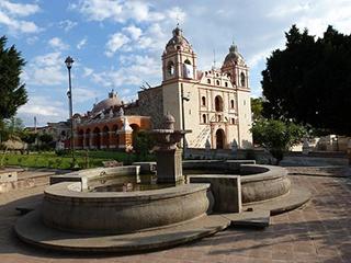 mexico-oaxaca-tlacochahuaya-340.jpg
