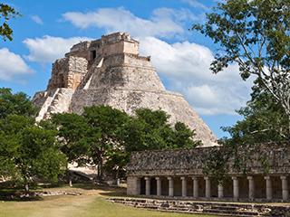 mexico-yucatan-uxmal-359.jpg