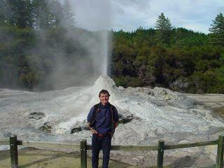 nueva-zelanda-rotorua-geyser-lady-rox-697.jpg