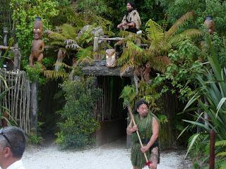 nueva-zelanda-rotorua-maories-696.jpg