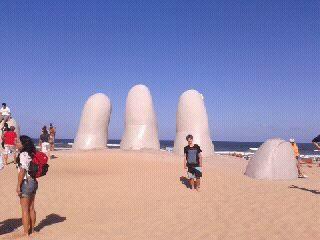uruguay-punta-del-este-la-mano-punta-del-este-976.jpg